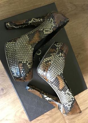 Туфли gucci из кожи питона р 35,5 можно на 36