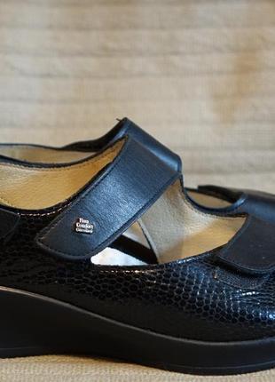 Красивые комфортные фирменные ортопедические кожаные босоножки finn comfort германия 6 р.