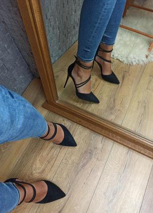 Черные туфли лодочки замшевые с переплетом закрытые босоножки2 фото