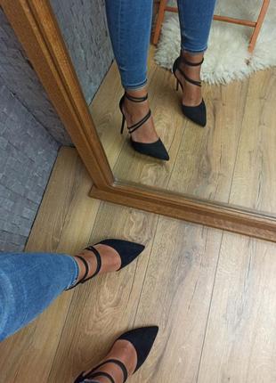 Черные туфли лодочки замшевые с переплетом закрытые босоножки3 фото