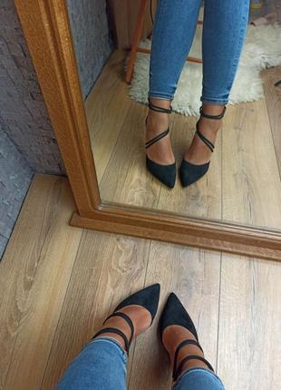 Черные туфли лодочки замшевые с переплетом закрытые босоножки4 фото