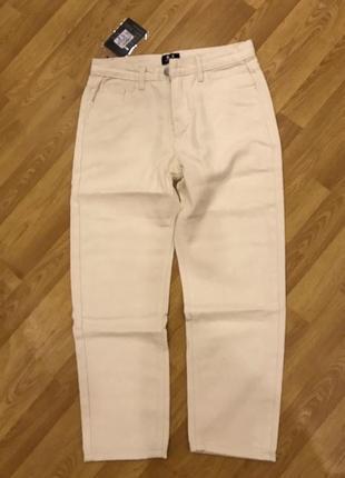 1530.    белые джинсы мом красивые и стльные с-м