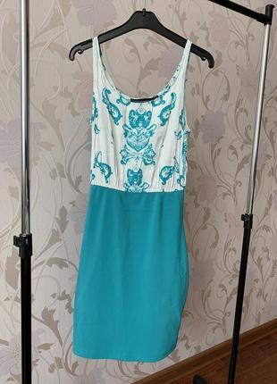 Женское обтягивающее платье мини