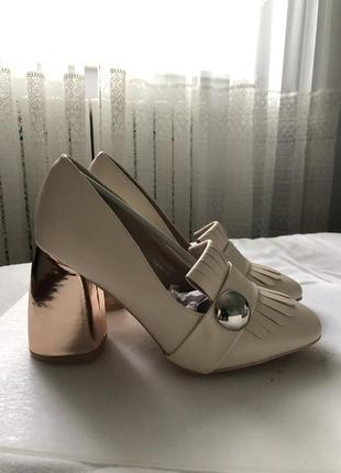 Туфлі для яскравих леді