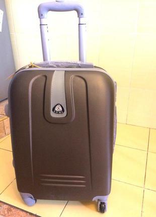 Большой чемодан пластиковый распродажа кофейный