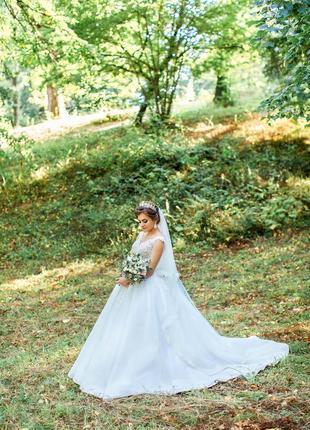 Весільна сукня, свадебное платье, колір айворі, розмір 42.