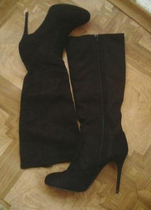 Замшевие чорние сапоги чулки на шпильке new look