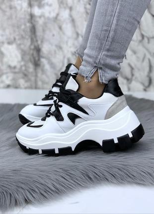 Новые женские белые с черным черно-белые кроссовки