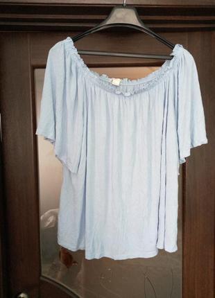 Голуба футболка