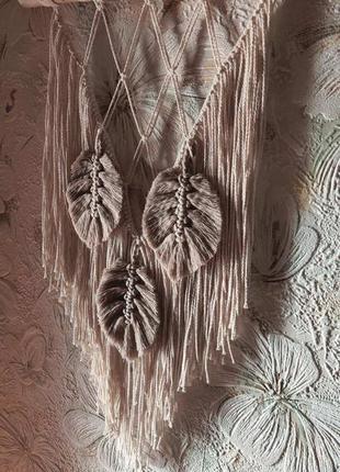 Макраме с перьями в стиле бохо