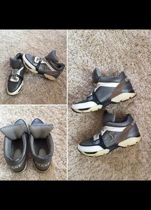 Кожаные кросы