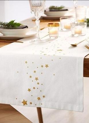 Праздничная скатерть-дорожка для сервировки стола от tchibo.