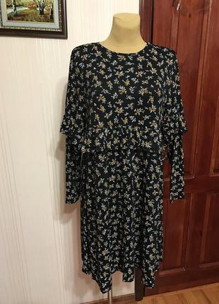 Новое платье свободного кроя с рюшей
