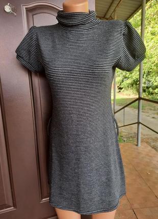 Платье тонкой вязки