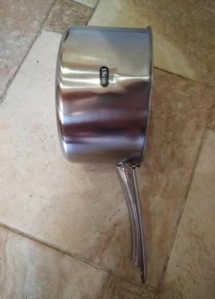 Сотейник нержавейка 1.7 выбито-2 литра с верхом получается.