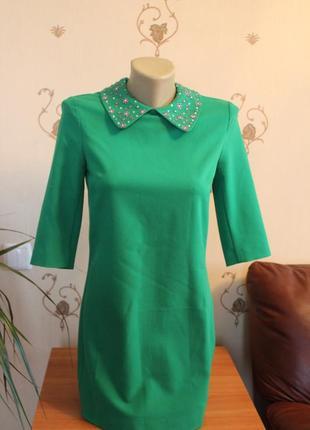 Платье в стиле 60х со стразами на воротничке