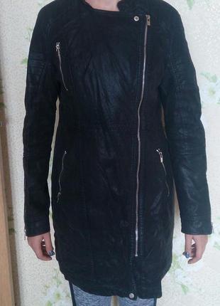 Куртка демисезонная , удлиненная, черная , эко-кожа
