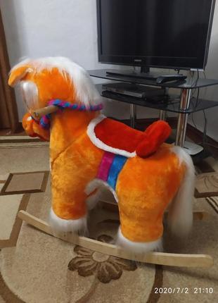 Игрушечная детская лошадка!!!состояние идеальное!!