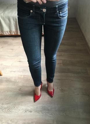 Новые джинсы с замочками скини черные pinko mango