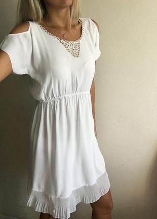 Платье белое, легкое, нежное estrella