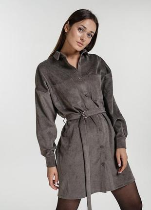 Вельветовое платье-рубашка с длинными рукавами