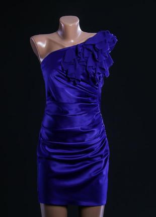 Атласное коктейльное платье мини фиолетовое на одно плечо
