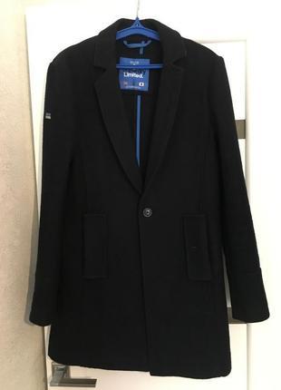 Трендовое шерстяное пальто для модника от superdry, размер s.