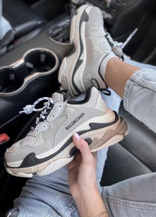 Кросівки balenciaga triple s beige кроссовки