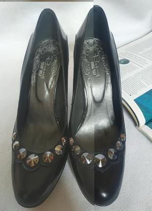 """Классические кожаные туфли с декором на высоком каблуке """"respect"""""""