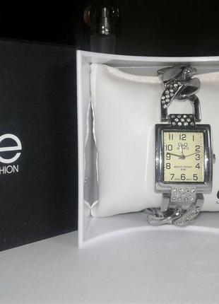 Часы elite e51834-204