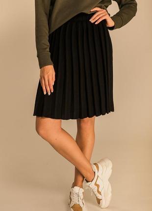 Женская вязаная юбка-плиссе с тонким ремнем