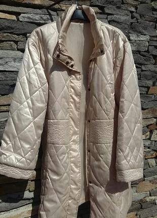 Невероятно   элегантное  сверх лёгкое пальто. швейцария