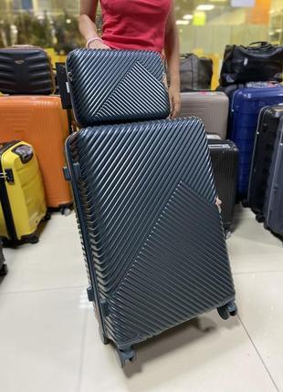 Комплект чемодан большой и тревел-кейс wings польша