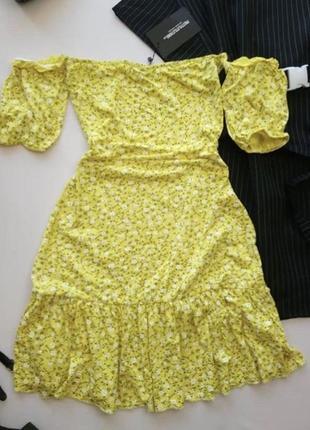 Платье новое pretty little thing