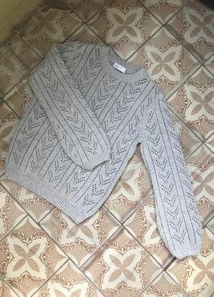 Новый свитер в красивую вязку