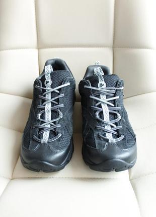 Merrell  туристические кроссовки осенние