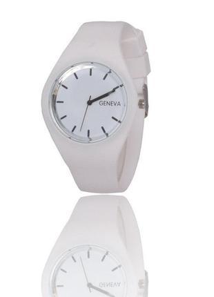 Модные часы geneva ,силиконовый ремешок