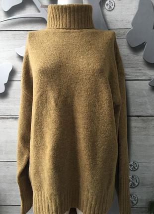 Теплый женский вязанный свитер с воротником