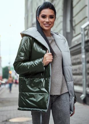 Женская лаковая двусторонняя куртка цвета хаки