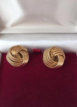 Стильные винтажные серьги золотистые