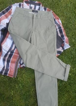 Стильные брюки цвета хаки reserved, модные,качественные
