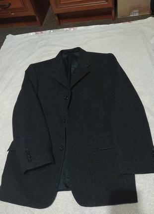 Качественное новое пальто,жакет весна осень для стильного мужчины- ml