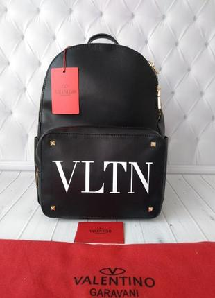Модный рюкзак в стиле valentino!