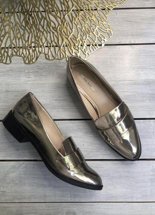 Zara basic яркие металические лоферы, туфли