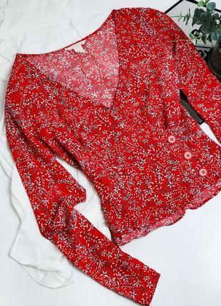 Красивая красная блуза на запах топ укороченная в винтажном стиле от h&m
