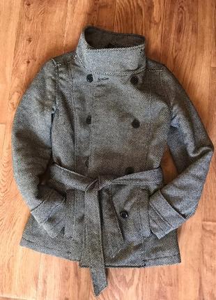 Крутое приталенный укороченное пальто