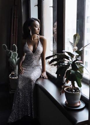 Серебряное вечернее платье