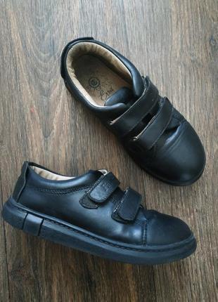 Туфли в школу, кеды, спортивные кожаные туфли