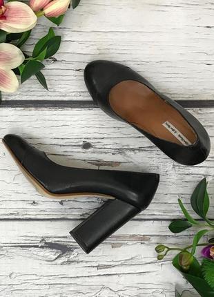 Шикарные туфли-лодочки из матовой кожи на высоком устойчивом каблуке  sh1836143
