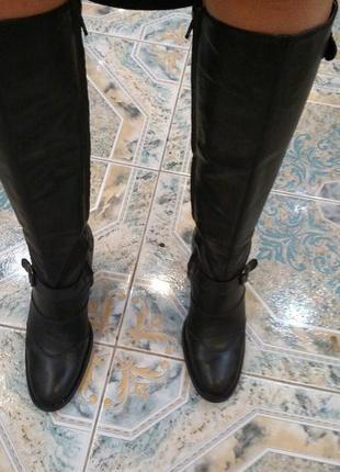 Классные, добротные сапоги, на узкую/среднюю ножку, 38 размер